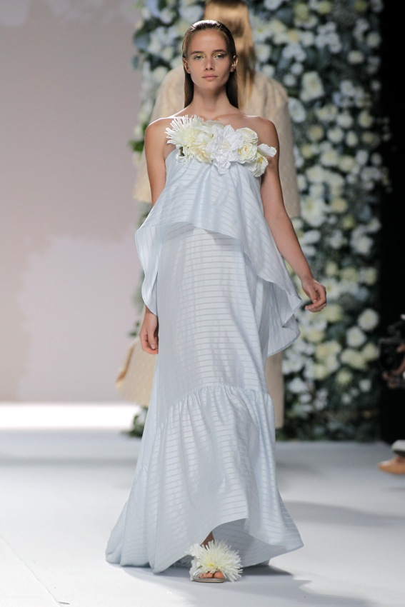 Nº 116 - MADRID FASHION WEEK: UNA PRIMAVERA BLANCA Y FLORIDA