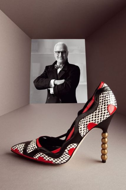 "Nº 120 - ""ART OF SHOES"": MANOLO BLAHNIK RECORRE EL MUNDO"